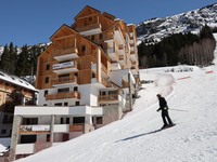 French ski chalets, properties in Oz en Oisans, Oz, Alpe d'Huez Grand Rousses