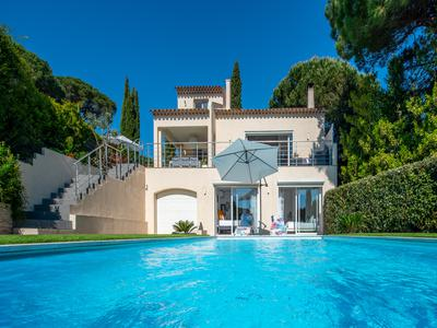 GASSIN-IN A QUIET DOMAIN-VILLA, SWIMMING POOL- 3 BEDROOMS-