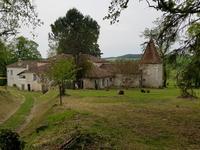 Chateau à vendre à VILLEBOIS LAVALETTE en Charente - photo 1