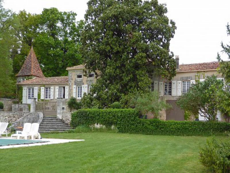 Chateau à vendre à VILLEBOIS LAVALETTE(16320) - Charente