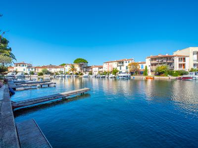 Port Grimaud south, great location for this double fronted fisherman's house of about