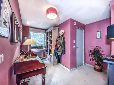 PARIS 75011 - République / Oberkampf - 83m2 - Characterful and quiet two-bedroom apartment, in a fantastic part of the city. Situated on the 3rd floor of a 1805 building with views onto charming Parisian architecture.