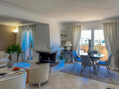 NICE -  Corniche des Oliviers . Magnificent VILLA in excellent condition of 145m2, open view in a quiet garden. RARE ! Video Available