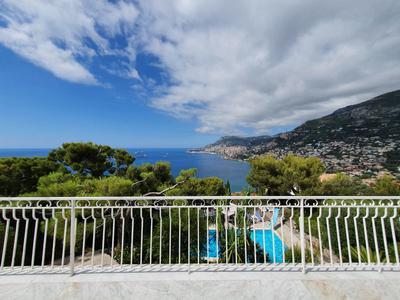 Roquebrune Cap Martin - Seaview, overlooking Monaco, 7 bedrooms villa with pool