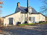houses and homes for sale inBRAINS SUR LES MARCHESMayenne Pays_de_la_Loire