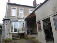 French property for sale in ST SULPICE LES FEUILLES, Haute Vienne - €88,000 - photo 2