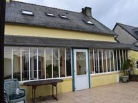 French property for sale in ROSNOEN, Finistere - €194,400 - photo 2