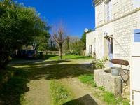 French property for sale in CRAZANNES, Charente Maritime - €299,600 - photo 10