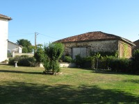 French property for sale in LEZIGNAC DURAND, Charente - €164,500 - photo 4