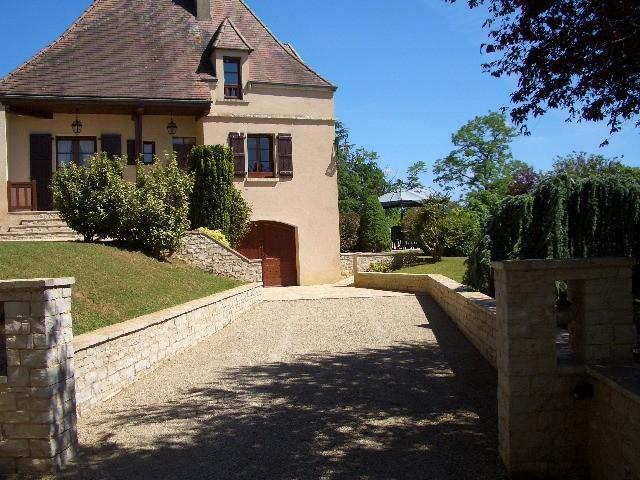 maison vendre en midi pyrenees lot lauzes une belle maison de campagne avec grand paddock. Black Bedroom Furniture Sets. Home Design Ideas