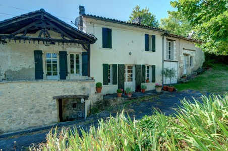 French property, houses and homes for sale in COUTURES Dordogne Aquitaine