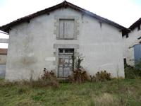 French property for sale in VERNEUIL, Charente - €38,000 - photo 2