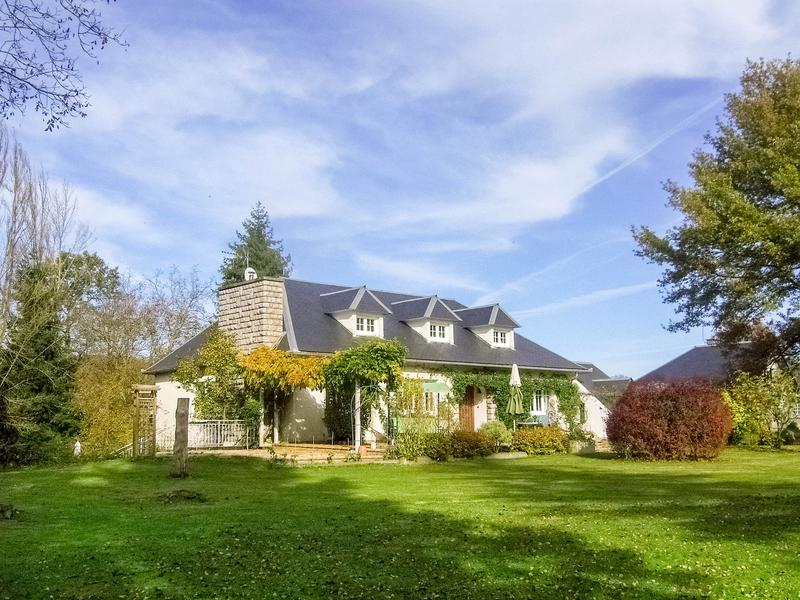 maison vendre en midi pyrenees hautes pyrenees la barthe de neste maison avec 3 chambres 2. Black Bedroom Furniture Sets. Home Design Ideas