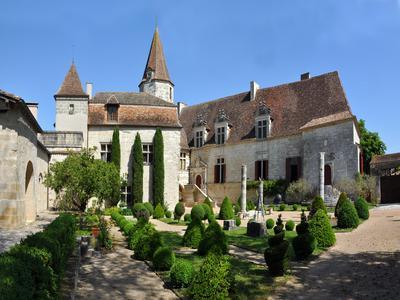 chateauin LAUZUN