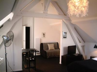 Unique opportunity! Bed and breakfast business with 15 bedrooms in a cosy spa town in a beautiful natural area of Burgundy