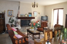 French property for sale in LE BUGUE, Dordogne - €198,720 - photo 2