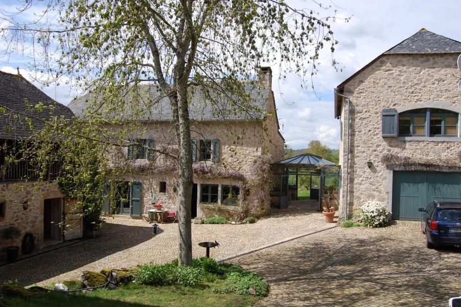 Maison vendre en midi pyrenees aveyron lescure jaoul for Acheter maison auvergne