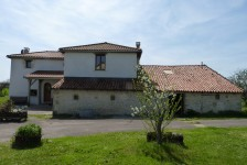 French property for sale in Champagne Mouton, Charente - €267,500 - photo 9