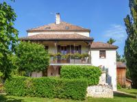 Maison unique et exceptionnelle avec piscine & jardin proche de Casteljaloux.