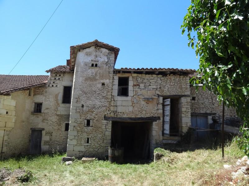Maison à vendre à  (24350) - Dordogne