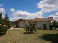 French property for sale in AUBETERRE SUR DRONNE, Charente - €299,600 - photo 2