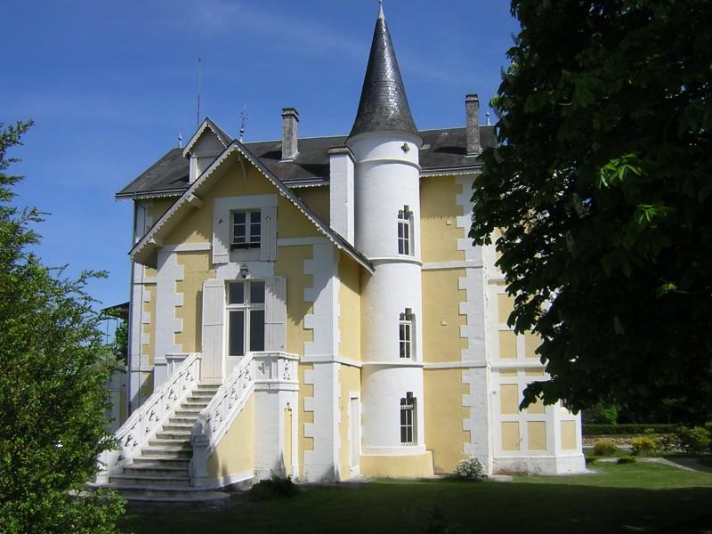 Chateau à vendre à VILLEBOIS LAVALETTE(24320) - Dordogne