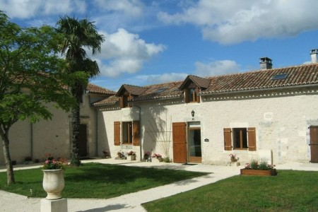 French property, houses and homes for sale in Champagne et Fontaines Dordogne Aquitaine