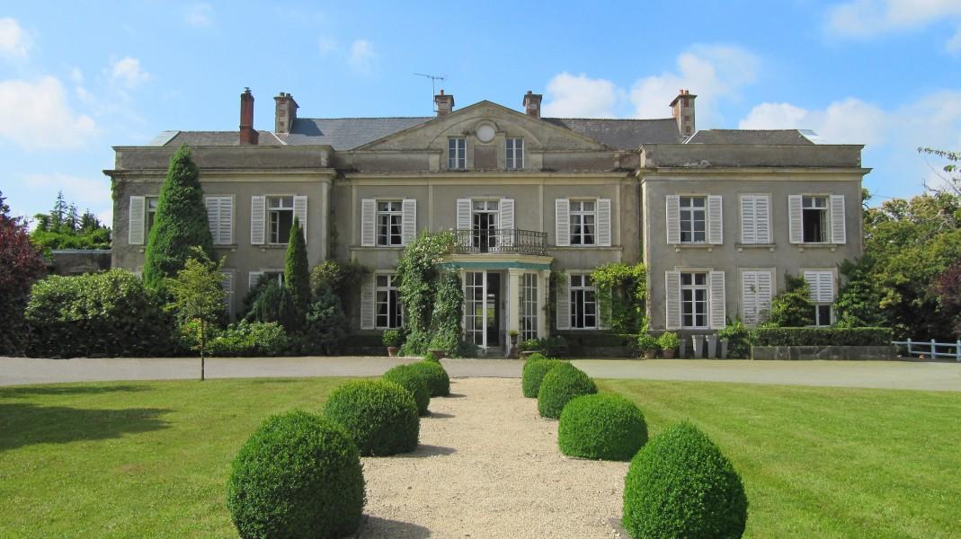 Chateau de xviii me avec dependances d 39 environ 30 ha parc pres bois et etang normandie - Garage du bocage les herbiers ...