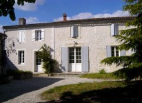 French property for sale in Pons, Charente Maritime - €278,900 - photo 1