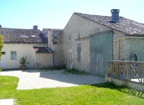 French property for sale in Pons, Charente Maritime - €278,900 - photo 3