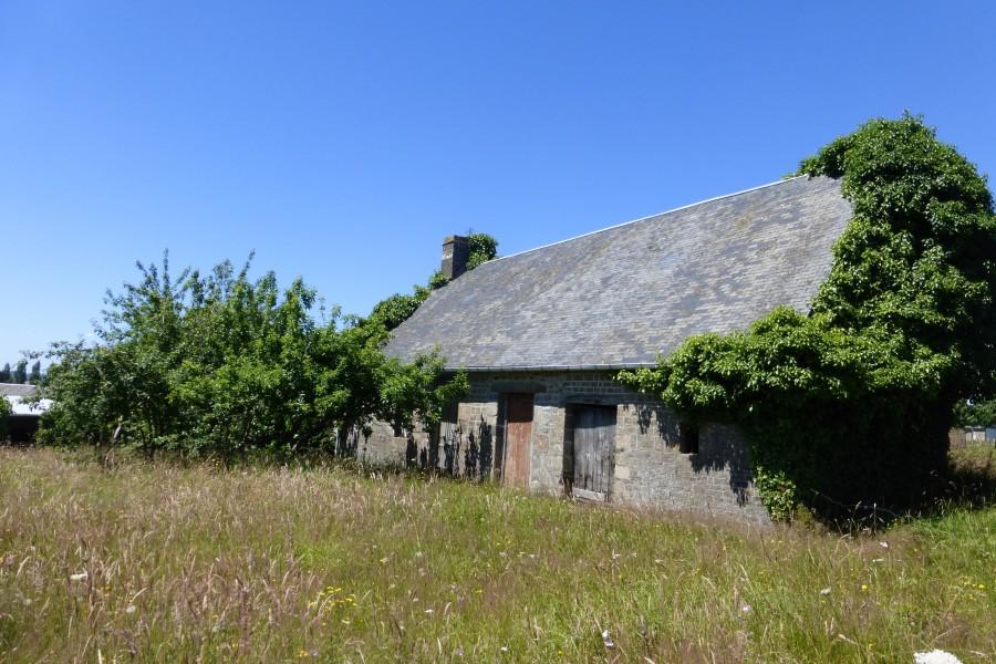 maison vendre en basse normandie manche savigny le vieux petite maison renover dans un. Black Bedroom Furniture Sets. Home Design Ideas