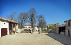 French property for sale in BARBEZIEUX ST HILAIRE, Charente photo 7