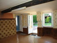 French property for sale in EMPURE, Charente - €77,000 - photo 3