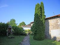 French property for sale in EMPURE, Charente - €77,000 - photo 2
