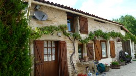 French property for sale in CLUSSAIS LA POMMERAIE, Deux Sevres - €288,750 - photo 4