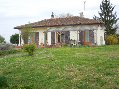 French property, houses and homes for sale in CASTELNAU D AUZAN Gers Midi_Pyrenees