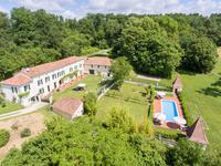 Maison à vendre à Aubeterre, Charente, Poitou_Charentes, avec Leggett Immobilier