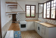 French property for sale in FONTAINE CHALENDRAY, Charente Maritime - €93,500 - photo 2