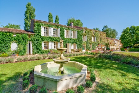 French property, houses and homes for sale in St Jean dangely Charente_Maritime Poitou_Charentes