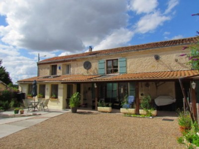 French property, houses and homes for sale in SOUVIGNE Charente Poitou_Charentes
