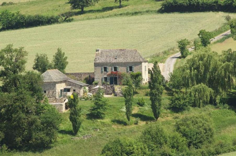 Maison vendre en midi pyrenees aveyron lunac for Acheter une maison en france