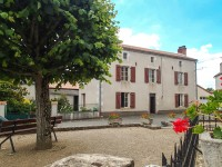 Maison de village avec 4 chambres, grange et terrain