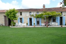 French property for sale in BLANZAC PORCHERESSE, Charente - €299,980 - photo 2