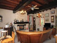 French property for sale in MONCRABEAU, Lot et Garonne - €249,900 - photo 4