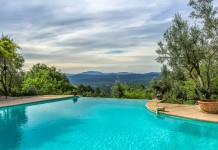 French property for sale in CALLIAN, Var - €620,000 - photo 2