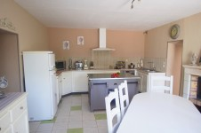 French property for sale in ST CLAIR, Vienne - €199,500 - photo 7