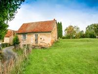 Maison en pierre à rénover. Jardin avec CU et belles vues sur la campagne. Dans un petit hameau calme. Périgord Vert.