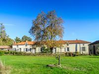 Maison à vendre à Adriers, Vienne, Poitou_Charentes, avec Leggett Immobilier