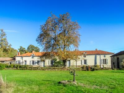 French property, houses and homes for sale in MOUTERRE SUR BLOURDE Vienne Poitou_Charentes