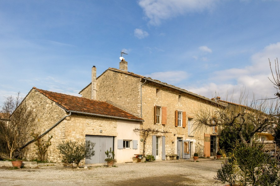 House for sale in PERNES LES FONTAINES Vaucluse stone farmhouse or